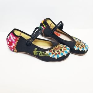 Vintage Colorful Hand Embroidered Flats Size 10